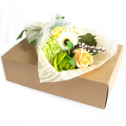 Bouquet de fleurs en savon vert